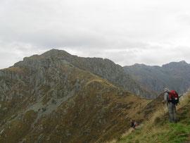La cresta che porta alla Cima Sasso m. 1916