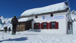 Il rifugio Margaroli m. 2194
