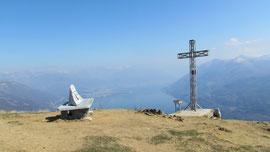 La croce di vetta del Monte Giove m. 1298