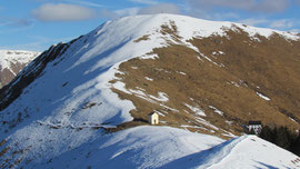 Il monte Todano, la Cappella e il rifugio del Pian Cavallone