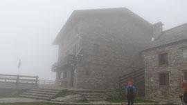 Rifugio Andolla nella nebbia