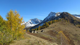 Il Togano (a sinistra), il Tignolino e l'Alpe Nava