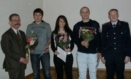 Jonas Trösken, Martina Klaus und Benjamin Melms (von links) gehören der aktiven Truppe als Neulinge an.
