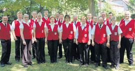 Zwölf Blasmusiker machen den Stamm der Werbener Feuerwehrblaskapelle aus. Am Sonnabend kamen 22 aktive und ehemalige Mitglieder zusammen, um für die Gäste aufzuspielen.