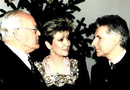 Bundespräsident Roman Herzog, Carolin Reiber und Enrico de Paruta beim Staatsempfang im Traitkasten des Marienmünstern zu Dießen anläßlich der ZDF-Aufzeichnung der Heiligen Nacht 1995