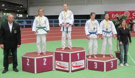 Dewi de Vries bei der Siegerehrung