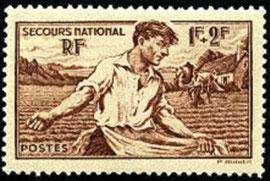 Emission de timbre au nom du Secours National