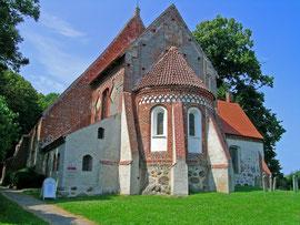 Die älteste Dorfkirche Rügens in Altenkirchen