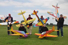 Die angetretenen deutschen Piloten beim Gruppenfoto
