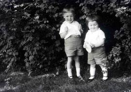 Mein kleiner Bruder Jürgen und ich (Peter)