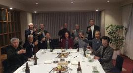 ▲プラチナ・ギルドの会事務局(創業)メンバーで乾杯‼