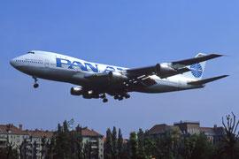 747 im Anflug auf Tempelhof (Foto (C) R. Manteufel )