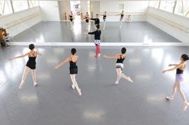 バレエのレッスン風景  2011年に設計したバレエスタジオで撮影