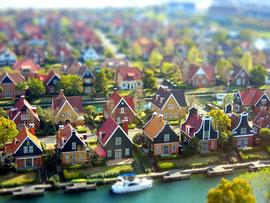 有名なジオラマ風写真  本物の建物写真が模型のように見えています