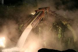 草津の湯畑。温泉も地熱発電における重要な資源の1つ Photo By machu.