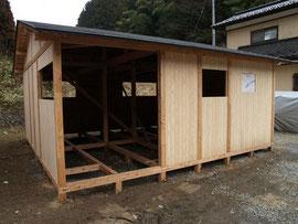 岩手県住田町で建てられた地元の気仙杉を使った、木のぬくもりが感じられる仮設住宅。トイレ・風呂付き2DK(29.8平方メートル)