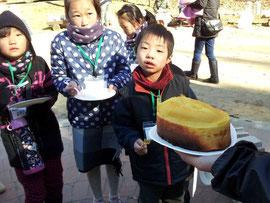 太陽の力でふっくらと焼きあがったパウンドケーキ