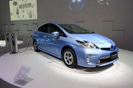 トヨタ「Prius Plug-in Hybrid」