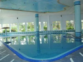 Pool Golf Residence