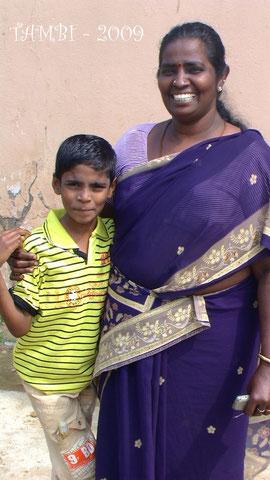 Dinagaran et sa mère - Tambi 2009
