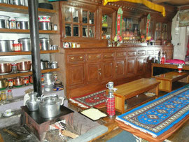Küche/Wohnzimmer in Helambu