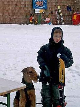 Oona im Skiurlaub Werfenweng