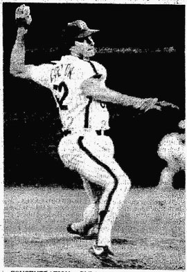 Steve Carlton picked up his 17th win.