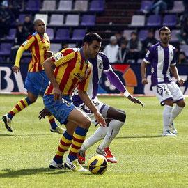 Balenziaga, al fondo de la imagen, en el partido de ayer frente al Valencia.
