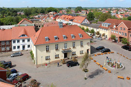 Ein Luftbild des Rathaus Tessin - Ein Profil einer Stadt