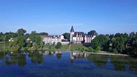 Luftbild von Schloss Klink an der Müritz