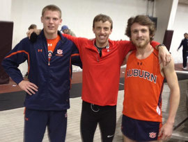 Niklas Bühner mit Alan Webb (Mitte) und Teamkollege Joby Peake (re)