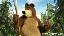 Медведь посмотрел на удочку, потом на мяч...Тяжело вздохнул
