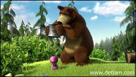 Медведь услышал ужастный грохот - это прыгала в ведре Маша