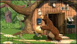 Медведь когда-то работал в цирке...