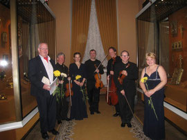 After the concert in the Armory Chamber (left to right): John Gibson, Gregory Ellis, Olga Solovieva, Simon Aspell, Christopher Marwood, Kieth Pascoe, Nika Ryabchinenko