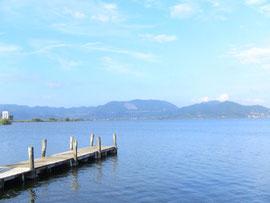 湖。結構大きい。