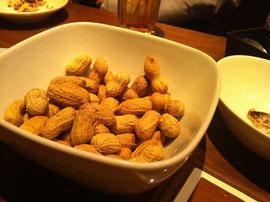 サクマル茹でピーナッツ