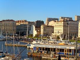 location Marseille Vieux port appartement vacances location vue du séjour