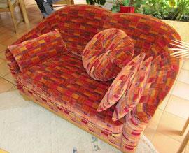 Zweisitzer Sofa gepolstert von unseren Meister aus der Schumann Polsterei