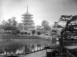 Sarusawa-no-ike in Nara - Kusakabe Kimbei, ca. 1890