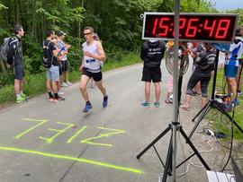 Schlussläufer Jan bringt unsere Staffel nach 7 Etappen um 15:26 Uhr ins Ziel