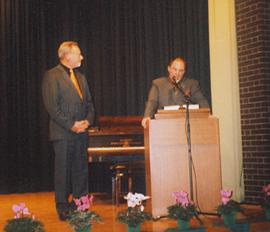Chorleiter Boxheimer mit Kreisvorsitzendem Ritzert