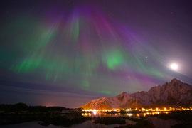 Polarlicht über Ballstad. © Robert Hansen, Ballstad, April 2014