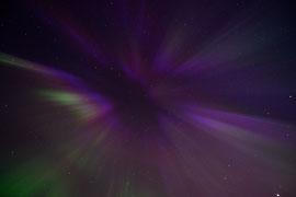 Polarlicht aus dem Nachthimmel. © Robert Hansen, Ballstad, April 2014
