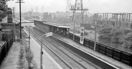 Bournville Station 1962 looking northwards. Image by Ben Brooksbank on Geograph SP0581 reusable under Creative Commons licence Attribution-ShareAlike 2.0 Generic (CC BY-SA 2.0)
