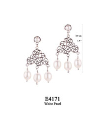 E4171 OXI 70, GP 80: EARRING TULIP CUP W/ WHITE PEARL, FILIGREE LOTUS FLOWER W/ 3 WHITE PEARL DROPS.