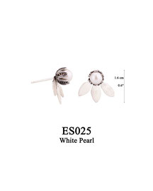 ES025 OXI 39, GP 49: EARRING POST, SOLID HALF LOTUS FLOWER WITH WHITE PEARL IN CENTER.