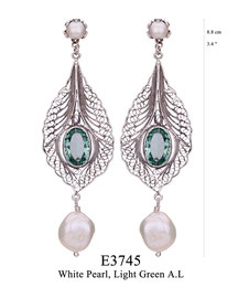 E3745: OXI 149, G OF E OXI EARRING POST WHITE PEARL IN CUP & THE BOTTOM, FILIGREE DESIGN W/ LIGHT GREEN A.L. IN CENTER.