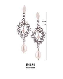 E4184 OXI 60, GP 70: EARRING LEAF POST,FILIGREE LOTUS FLOWER W/ WHITE PEARL IN CENTER & WHITE PEARL DROP.
