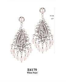 E4179 OXI 105, GP 125: EARRING TULIP CUP W/ WHITE PEARL, FILIGREE LOTUS FLOWER W/ 7 WHITE PEARL DROPS.